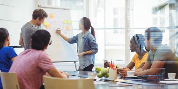 Как да повишите ангажираността на служителите чрез ефективна комуникация